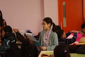 교육을 수강중인 어린이들