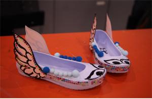 교육 참여 가족이 꾸민 신발